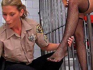 Alanah Rae får famlet i fengsel