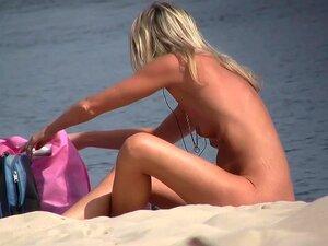 Blonde Girls Naked