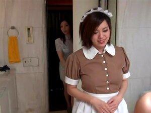 Sexy Oriental hushjelp i erotiske hotellscene,