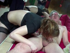 Cocksucked sex turist svelger egen jizz. Cocksucked sex turist i Asmterdam svelger jizz sin egen